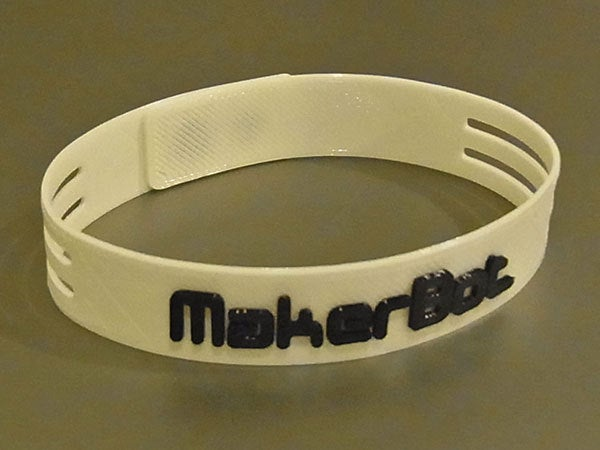 linked_display_large.jpg Download free STL file Ultra-Slim Wristband - Clever link system. MakerBot logo or plain versions. • 3D printable template, Muzz64