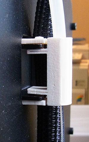 installed_2_display_large.jpg Télécharger fichier STL gratuit Support de tube guide de filament - Réplicateur 2 • Modèle à imprimer en 3D, Muzz64
