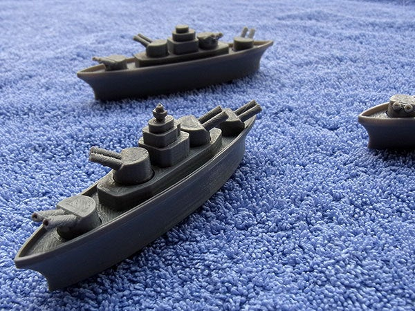 battleship_4_display_large.jpg Download free STL file BATTLESHIPS - with Rotating Gun Turrets (No support required) • 3D printer template, Muzz64