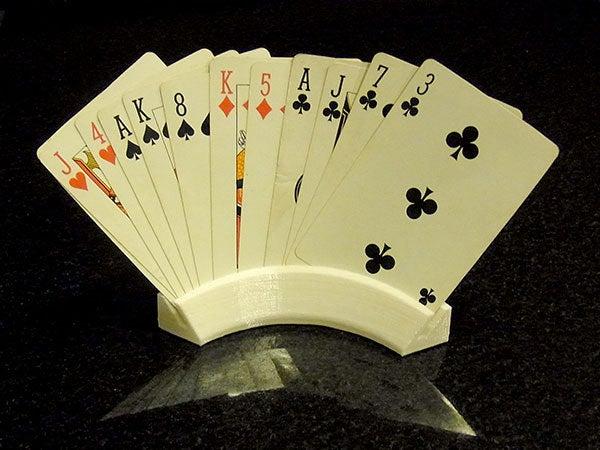 cardholder_1_display_large.jpg Télécharger fichier STL gratuit Porte-cartes à jouer - Garde vos cartes pendant que vous jouez ! • Plan à imprimer en 3D, Muzz64