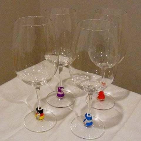 glasses_display_large.jpg Télécharger fichier STL gratuit Wine Glass Marker - Point de discussion subtil, pratique et élégant sur l'impression 3D ! • Modèle imprimable en 3D, Muzz64