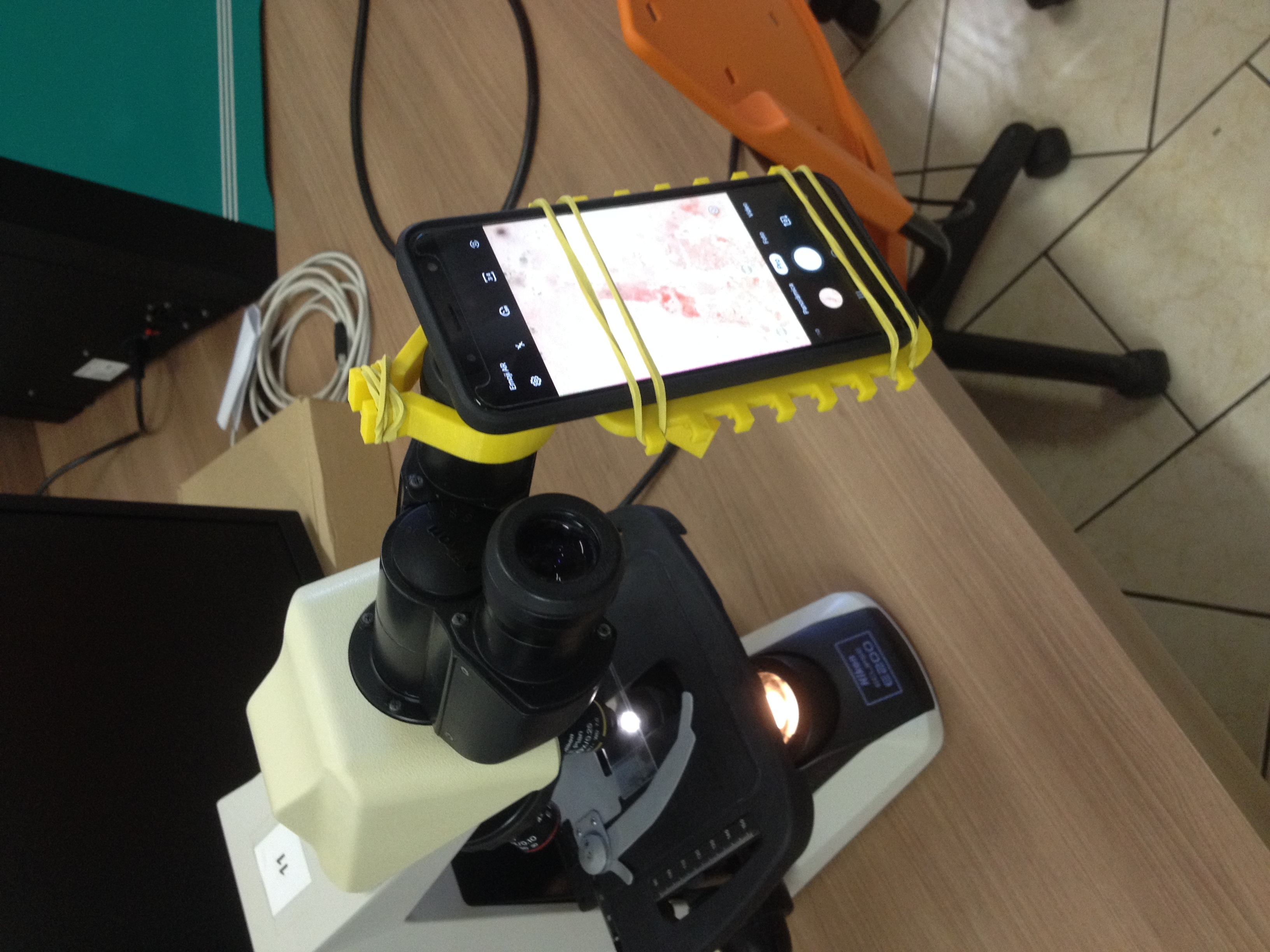IMG_6151.JPG Download free STL file Microscope cell support - Suporte de celular para microscópio • 3D printer template, fabiomingori