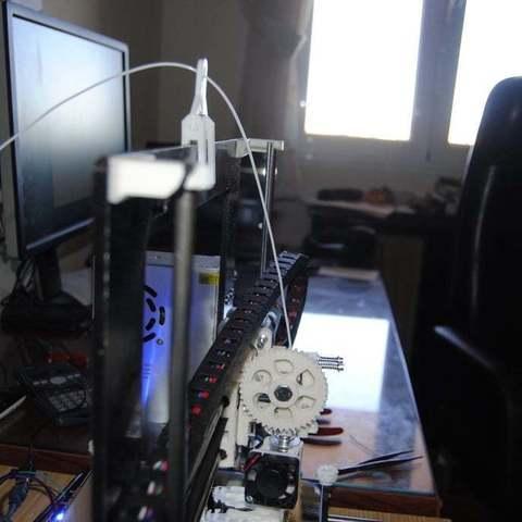 _DSC3589_display_large.JPG Télécharger fichier STL gratuit Guide du filament pour Mendel Prusa i3 • Plan pour imprimante 3D, niceandeasy