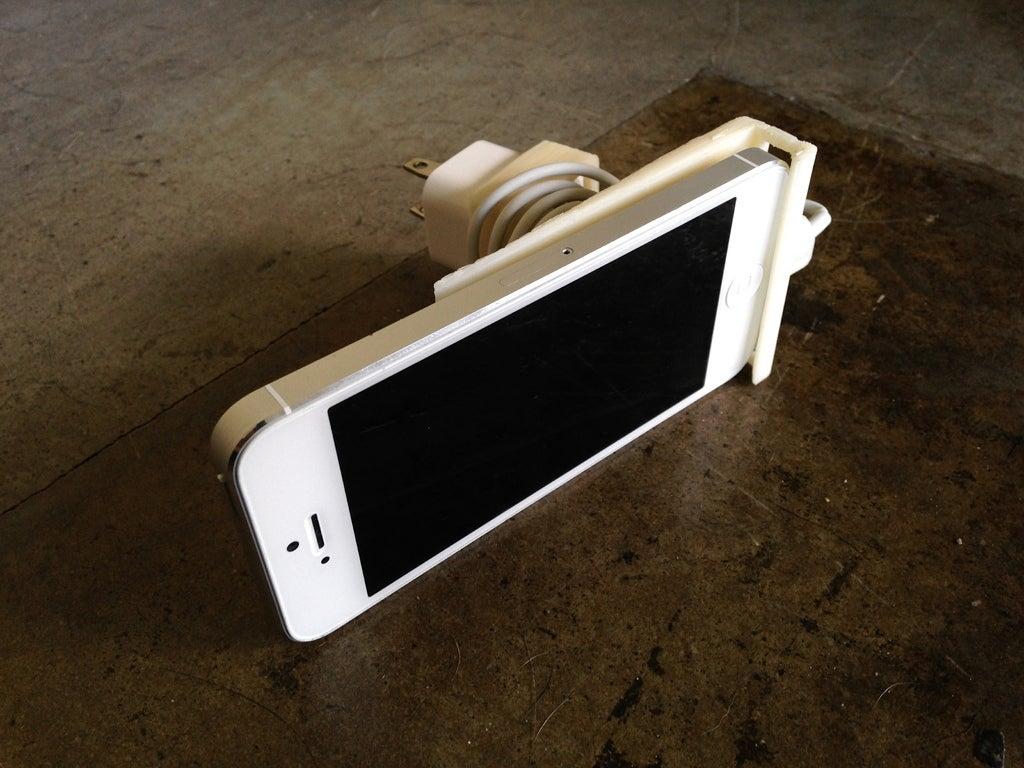IMG_0121_display_large.jpg Télécharger fichier STL gratuit Station d'accueil murale pour iPhone 5 • Design à imprimer en 3D, niceandeasy