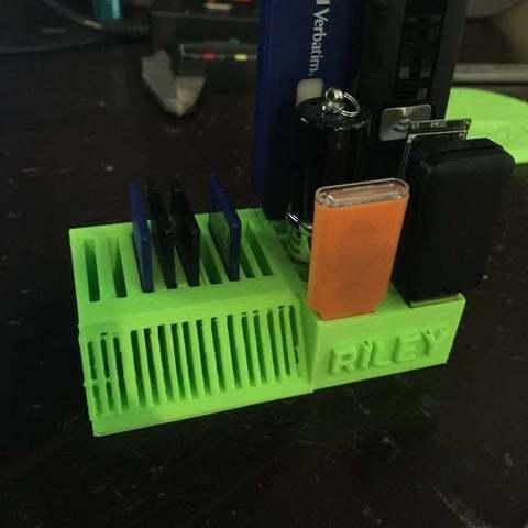 Descargar Modelos 3D para imprimir gratis Soporte para USB, Pwentey