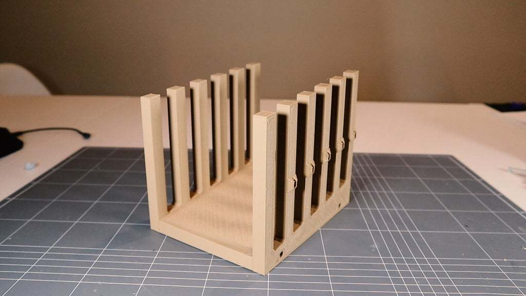 Sequence_01.00_00_47_02.Still001.jpg Download free STL file Tablet Holder for Multiple Devices • 3D printer object, electrosync