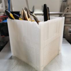 """Floppy Disk Pencil Holder V1.jpg Download free STL file 3.5"""" Floppy Disk Pencil Holder • 3D print template, 3diybz"""