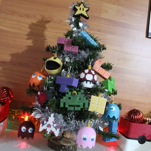 IMG_0805.JPG Download STL file Christmas tree decoration (retro game edition) • 3D printable template, jayceedante