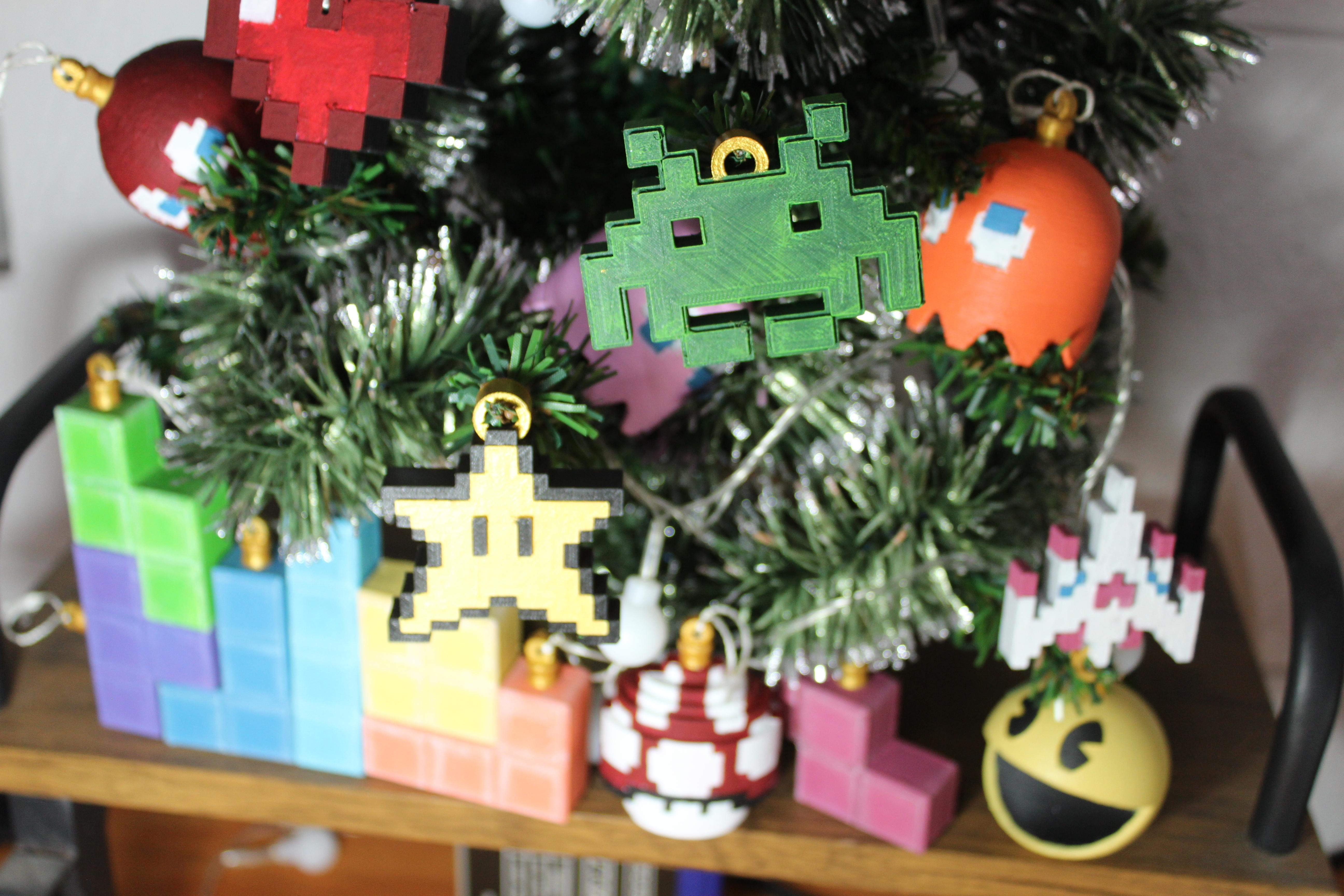IMG_0724.JPG Download STL file Christmas tree decoration (retro game edition) • 3D printable template, jayceedante