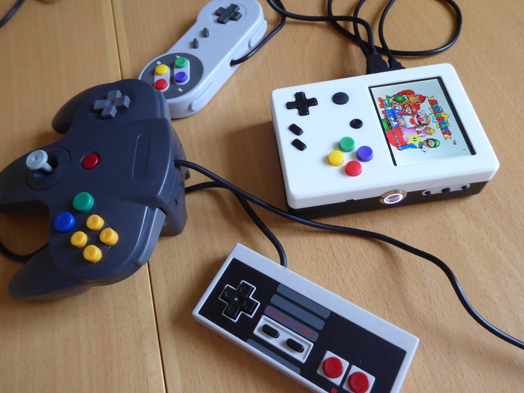 P1020005_display_large.JPG Download free STL file Portable Raspberry Pi game console • 3D printing object, Lassaalk