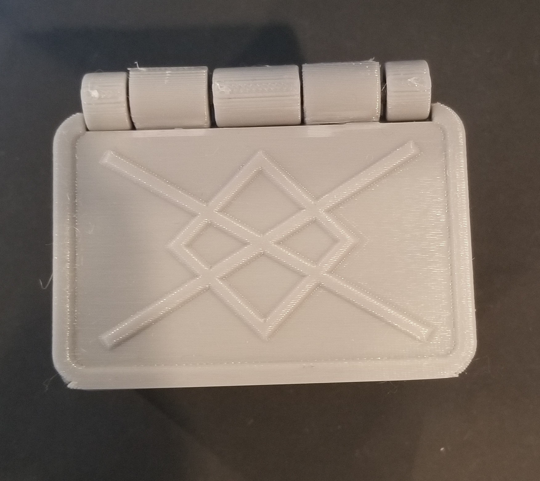 20200105_125819.jpg Télécharger fichier STL gratuit Boîte de runes nordiques avec couvercle (impression unique) • Modèle à imprimer en 3D, 3DPrintersaur