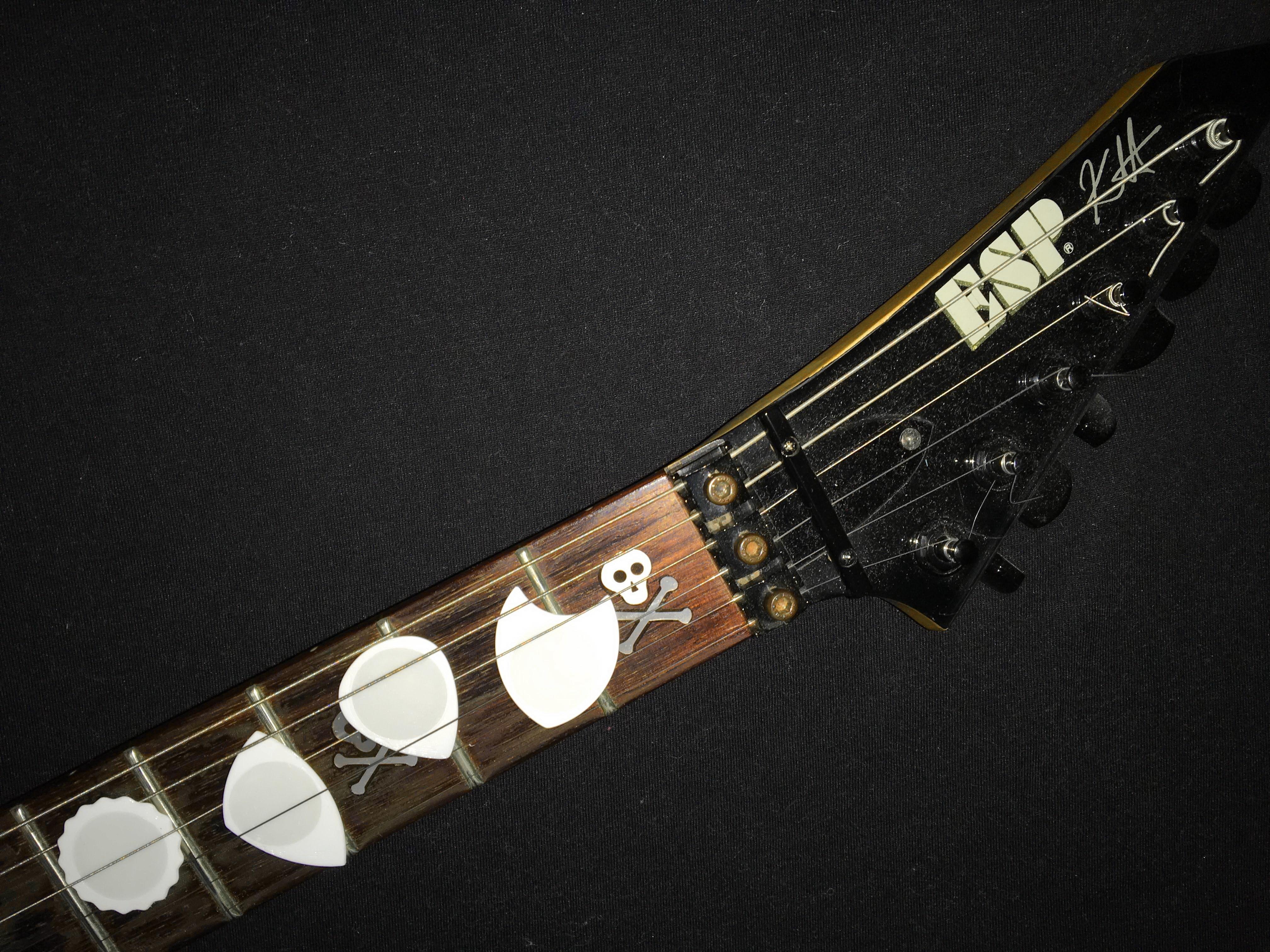 PITA DUA RADON UNU guitar ESP Km.JPG Télécharger fichier STL gratuit SIMIR-g & SIMIR-p Puas Nido - Fabriqué avec PLA et TPU BCN3D sigma R19 - Bâton de guitare 3D • Modèle pour impression 3D, carleslluisar