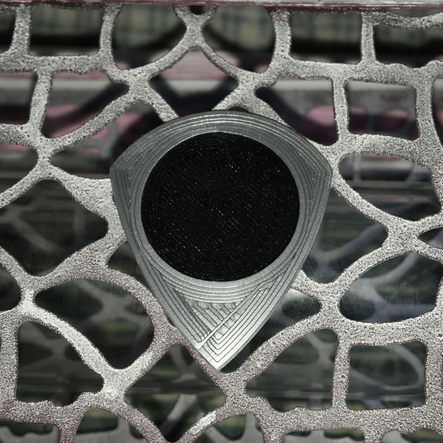 UNU-TRI 210819 26X31 Black.JPG Download free STL file UNU-TRI Pua Nido (Nest Pick Guitar) • 3D printing model, carleslluisar