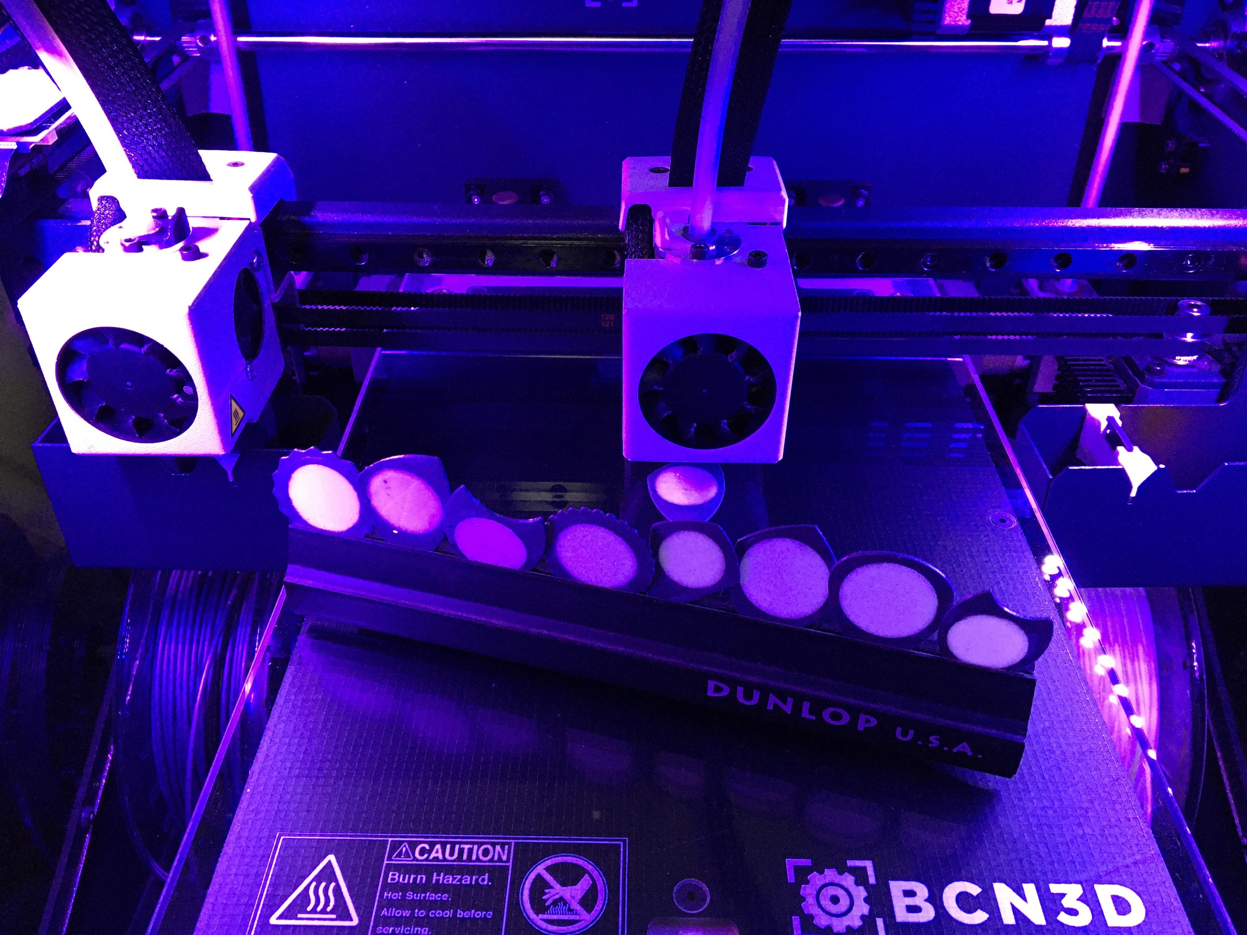 1FAFC935-4B16-40DA-AF1B-079D27375243.jpeg Download free STL file KVAR Pua Nido Carbon Fiber and Black TPU (Nest Pick Guitar) • 3D printer object, carleslluisar