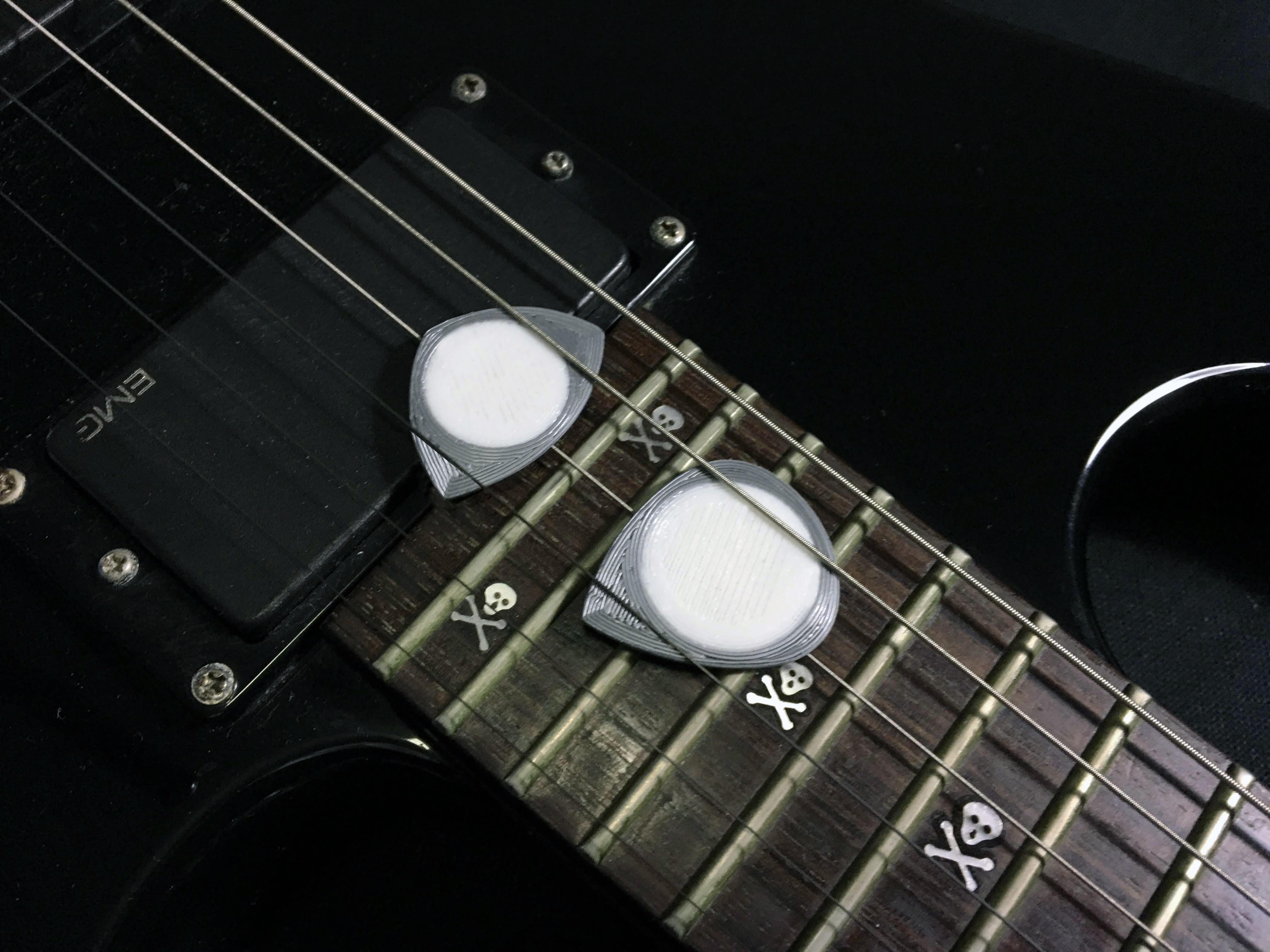 E656854C-A0B3-42DB-AA66-71682F422FC4.jpeg Télécharger fichier STL gratuit PITA 22x36R9 071020192313-11 PUA NIDO GUITAR PICK BY EXIMIENTA PLA - TPU DUAL EXTRUDER Plectre de guitare 3D • Plan pour impression 3D, carleslluisar
