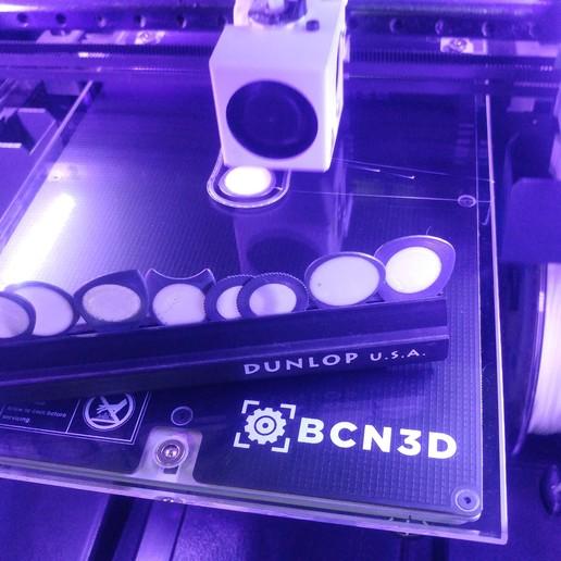 56352351-9634-41F2-BC21-09E9FC198EB8.jpeg Download free STL file KVAR Pua Nido PLA SILVER and TPU Black (Nest Pick Guitar) • 3D printer model, carleslluisar