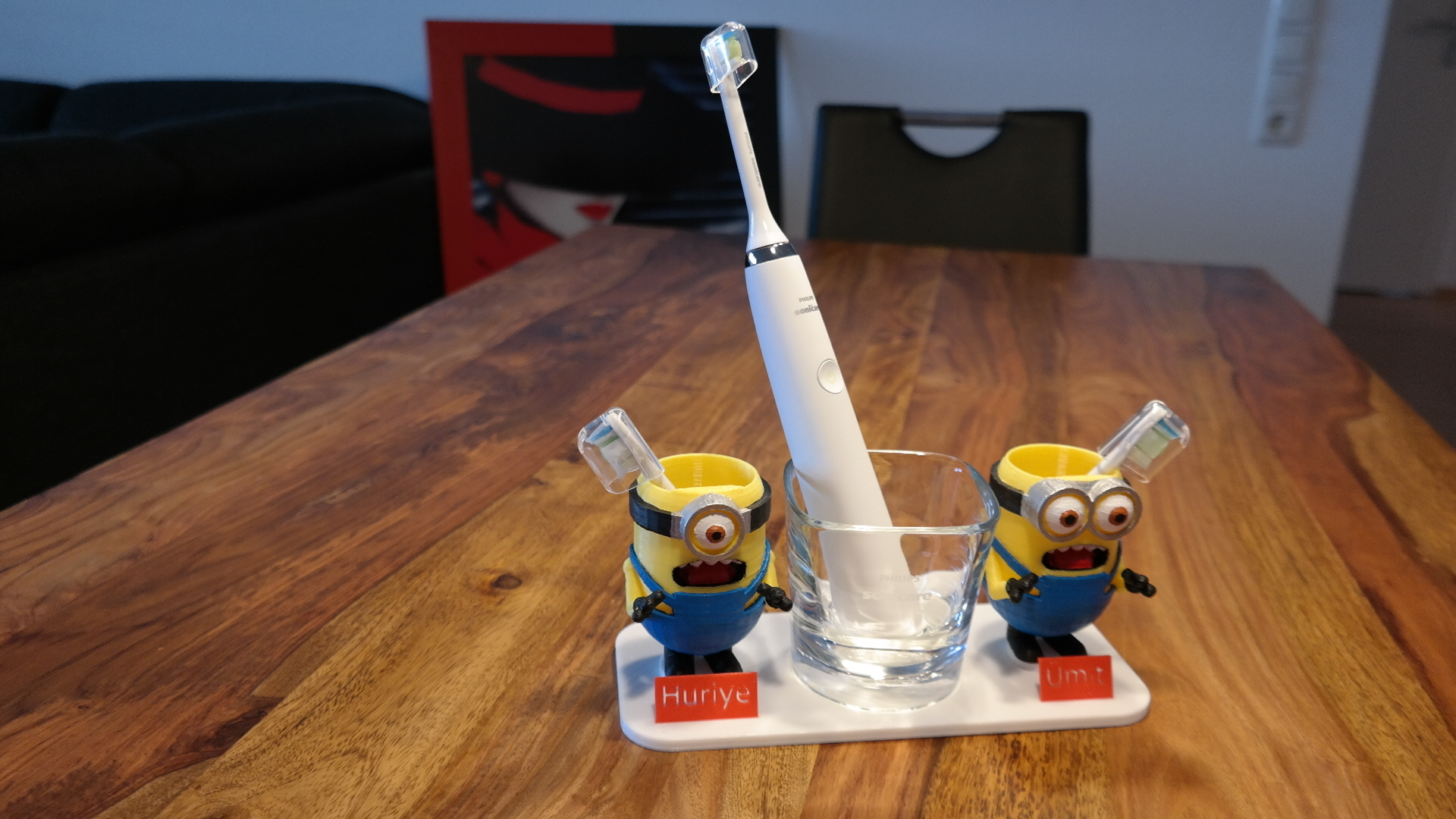SAM_1720.JPG Download free STL file toothbrush holder minions • 3D printable template, ZepTo