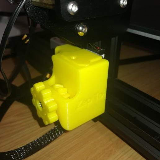 IMG_20180114_202316.jpg Télécharger fichier STL gratuit Creality CR-10S Arrêt en Z réglable • Plan à imprimer en 3D, ZepTo