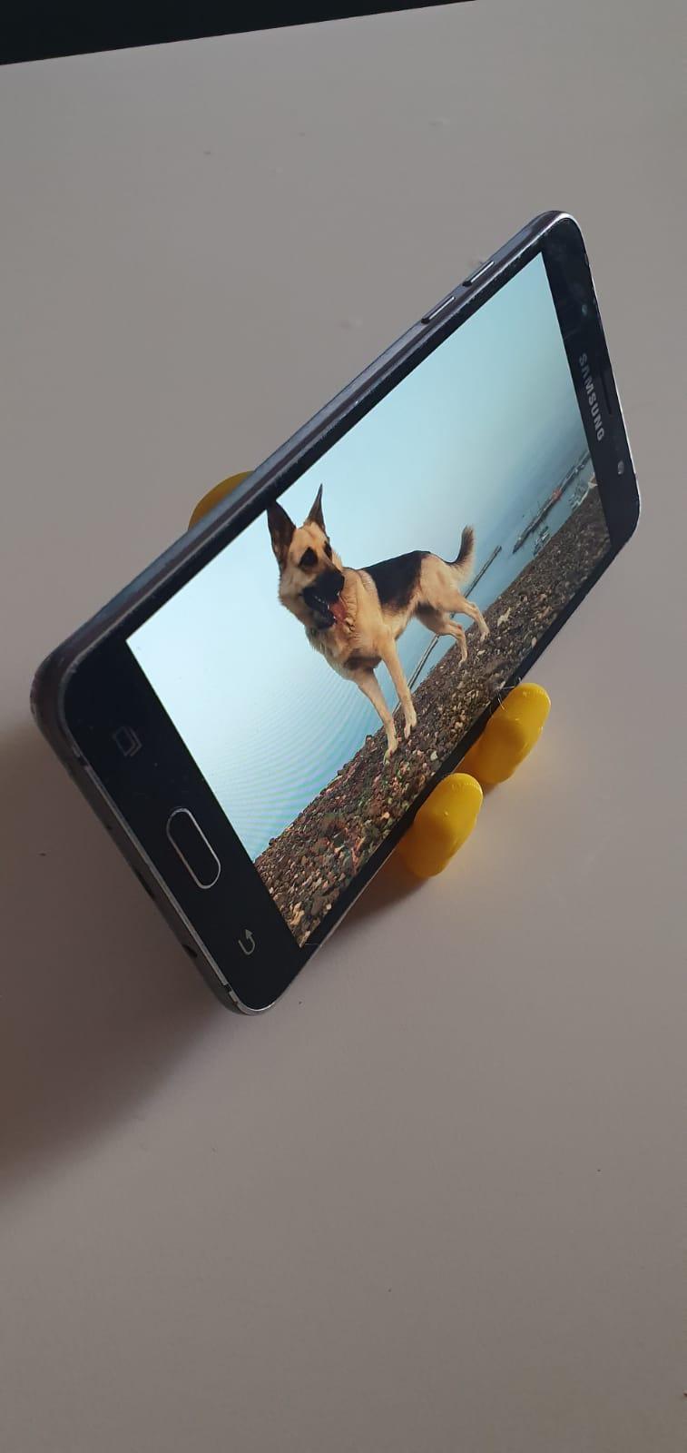 oso soporte 1.jpeg Télécharger fichier STL gratuit Petit gros ours (support pour smartphone) • Objet à imprimer en 3D, MaJoReRo