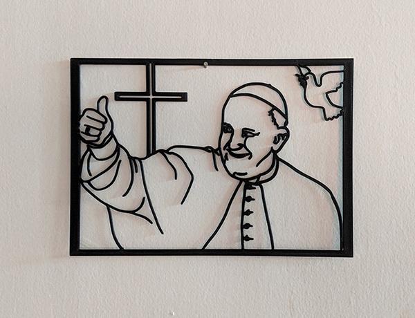 papa.jpg Descargar archivo STL Papa Francisco para pared. • Plan para la impresión en 3D, miguelonmex