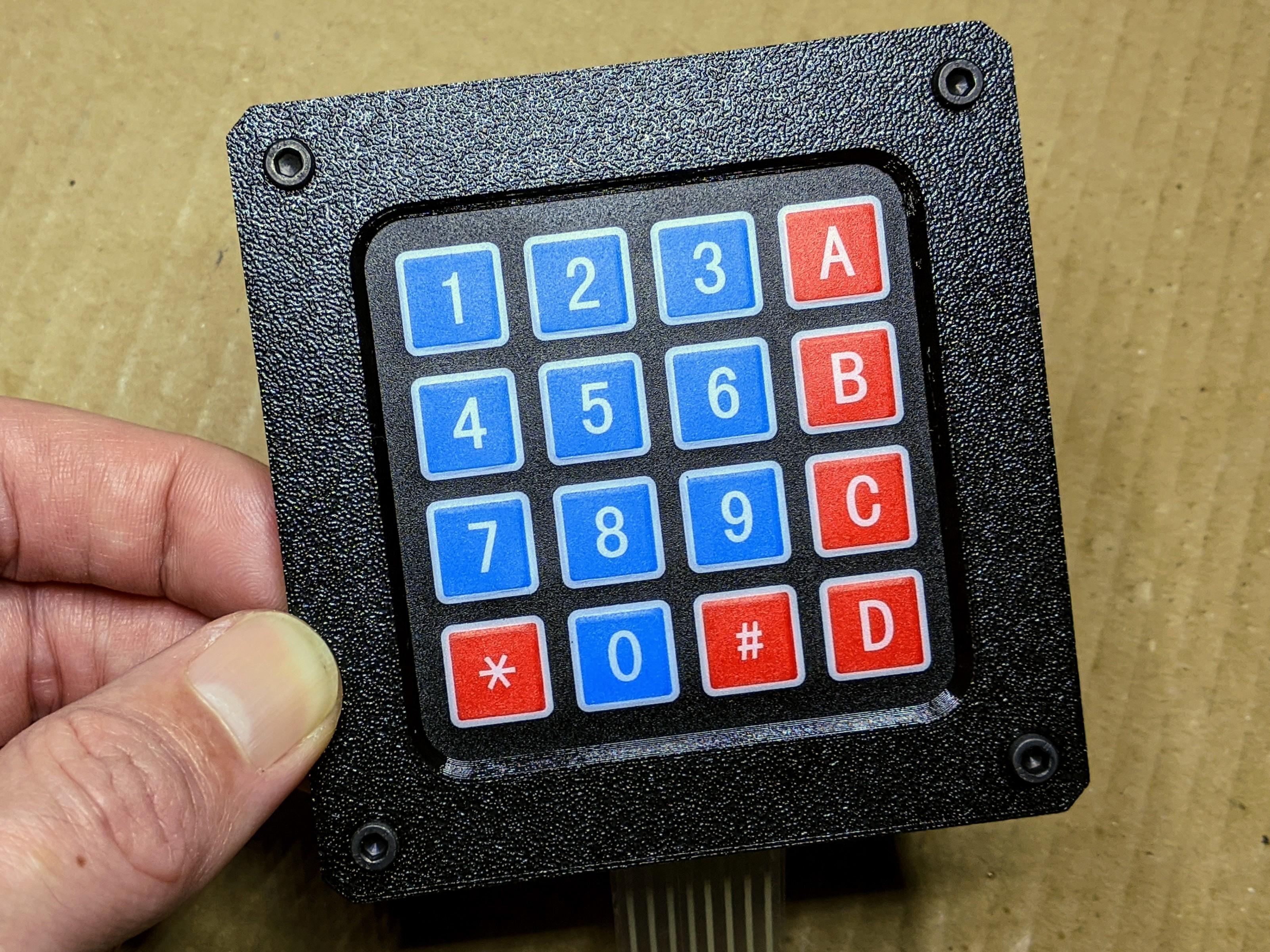 keypad-cover-002.jpg Télécharger fichier SCAD gratuit Couverture pour clavier à membrane 4x4 • Plan imprimable en 3D, t0b1