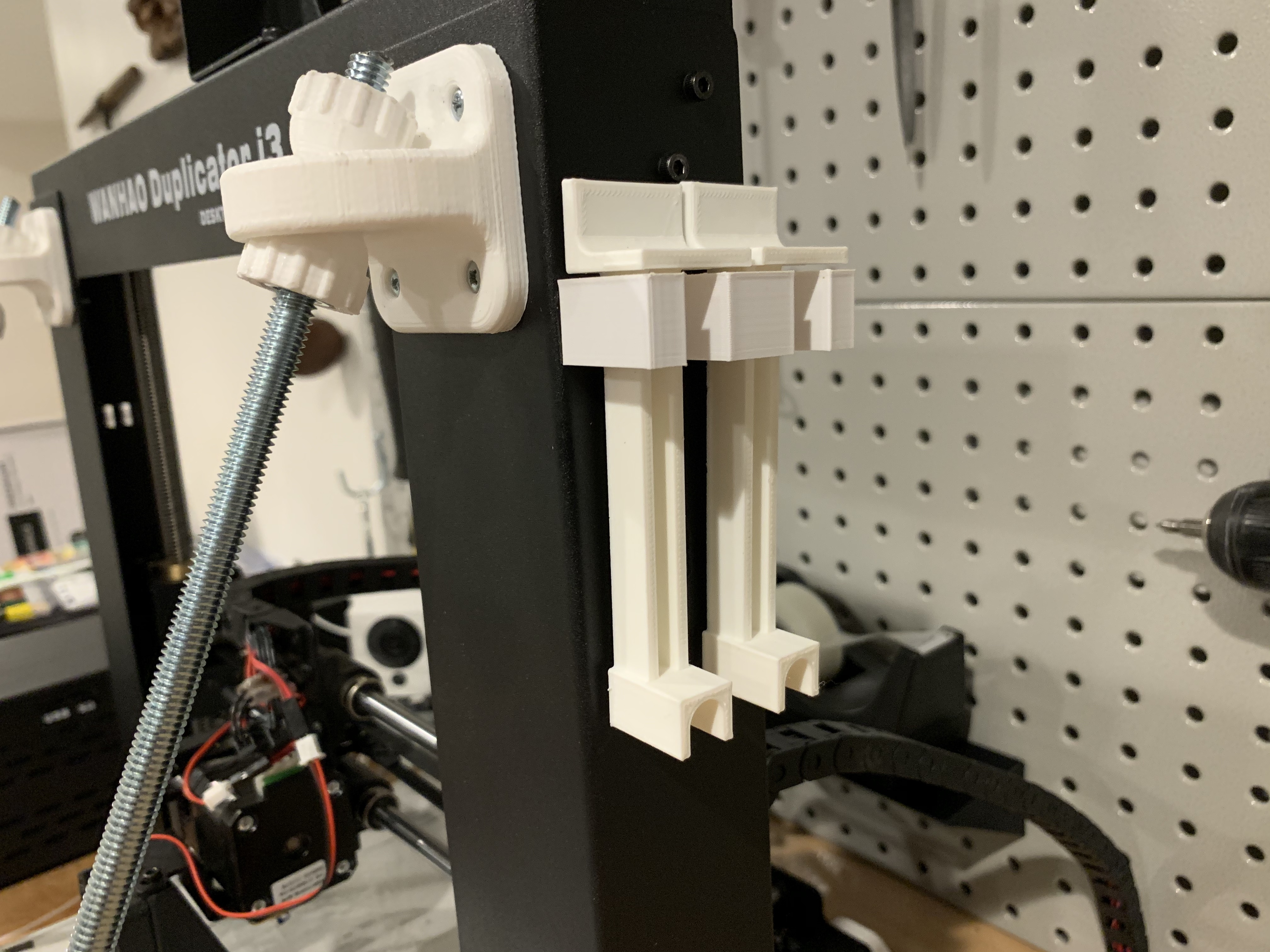 20190724_021642269_iOS.jpg Download free STL file Holder for Z-axis alignment bars for Wanhao Di3 • Design to 3D print, fuchsr