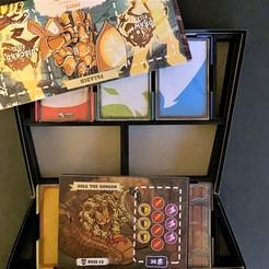 Descargar archivo 3D gratis Inserto organizador para el Calabozo de 5 Minutos (tarjetas de manga), fuchsr