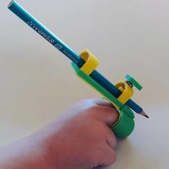 Descargar STL gratis Herramienta de escritura para niños con discapacidad motriz, Qv2Printing