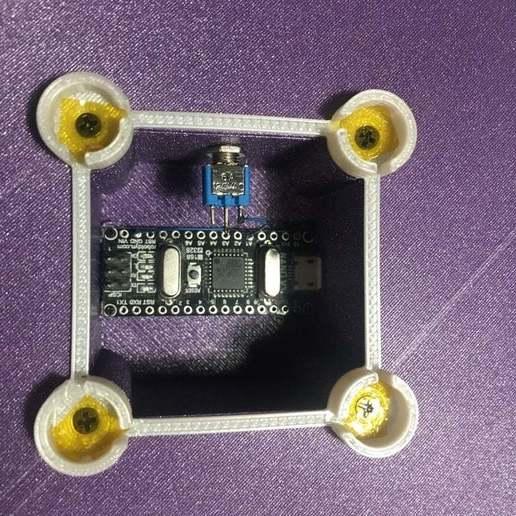 52ABEC00-A2E1-4609-BB78-06F91B020661_1_105_c.jpeg Download free STL file Japanese style light box • Design to 3D print, jurekkb