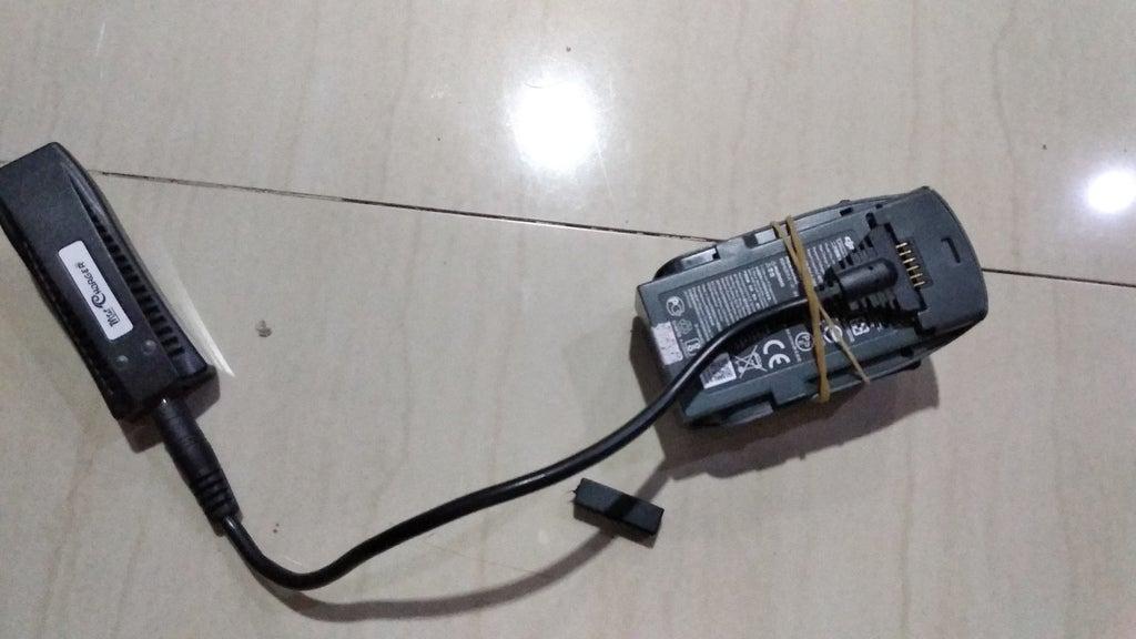 IMG_20180721_212646.jpg Download free STL file DJI Spark Battery cradle for Universal USB Charger Converter • 3D print model, mwilmars