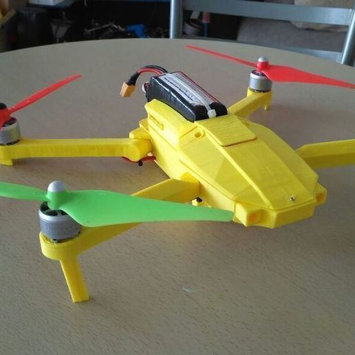 F82D7XAIWH393A0.LARGE.jpg Download free STL file Foldable drone frame (Mavic look like, body & head alternative) Remix • 3D printer model, mwilmars