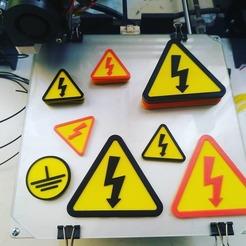 """72346939_822777064842102_699808925145910252_n.jpg Télécharger fichier STL Panneau """"Danger de l'électricité • Modèle imprimable en 3D, miidea3diqq"""