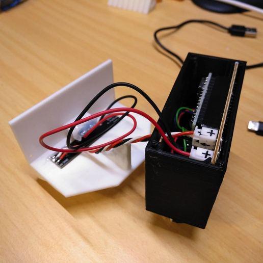 2019-01-27_184514_IMG_web.jpg Télécharger fichier STL gratuit Boîte de bureau clignotante DND • Design imprimable en 3D, suromark