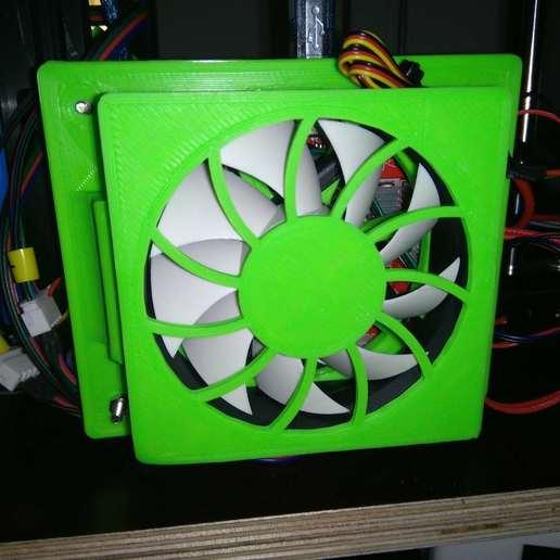Télécharger fichier STL gratuit TronXY X5S Couvercle de ventilateur de la carte mère pour ventilateur de 80 mm, suromark