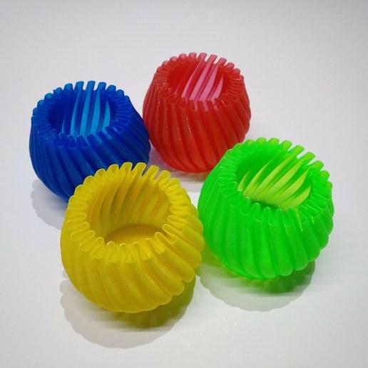 Télécharger fichier 3D gratuit Petit pot / vase en spirale, suromark