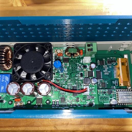Rear_of_RD6006_with_Wi-Fi.JPG Télécharger fichier STL gratuit Affaire Riden RD6006 sur l'alimentation électrique • Objet imprimable en 3D, christinewhybrow