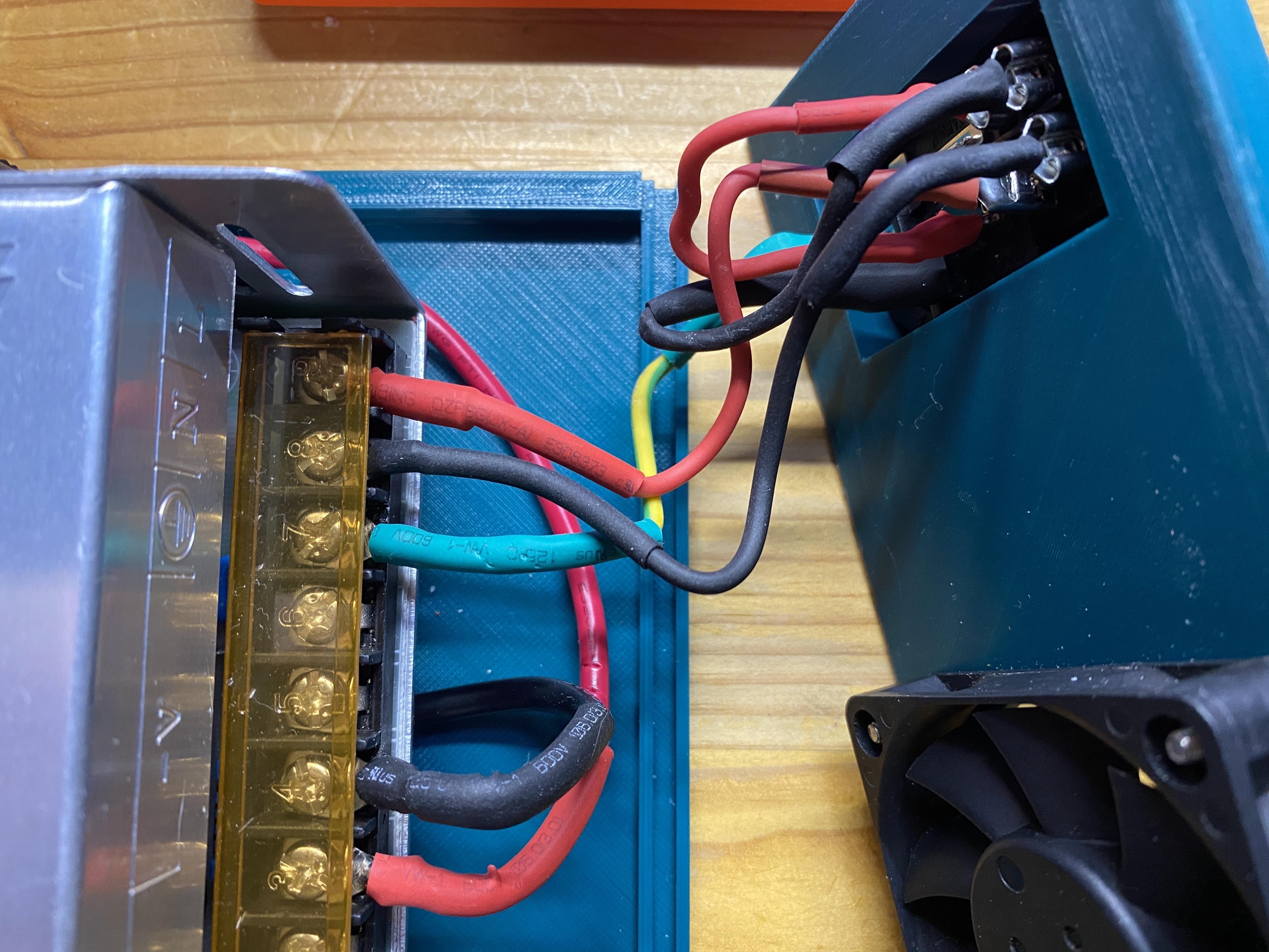 Rear_Panel_showing_wiring.jpg Télécharger fichier STL gratuit Affaire Riden RD6006 sur l'alimentation électrique • Objet imprimable en 3D, christinewhybrow
