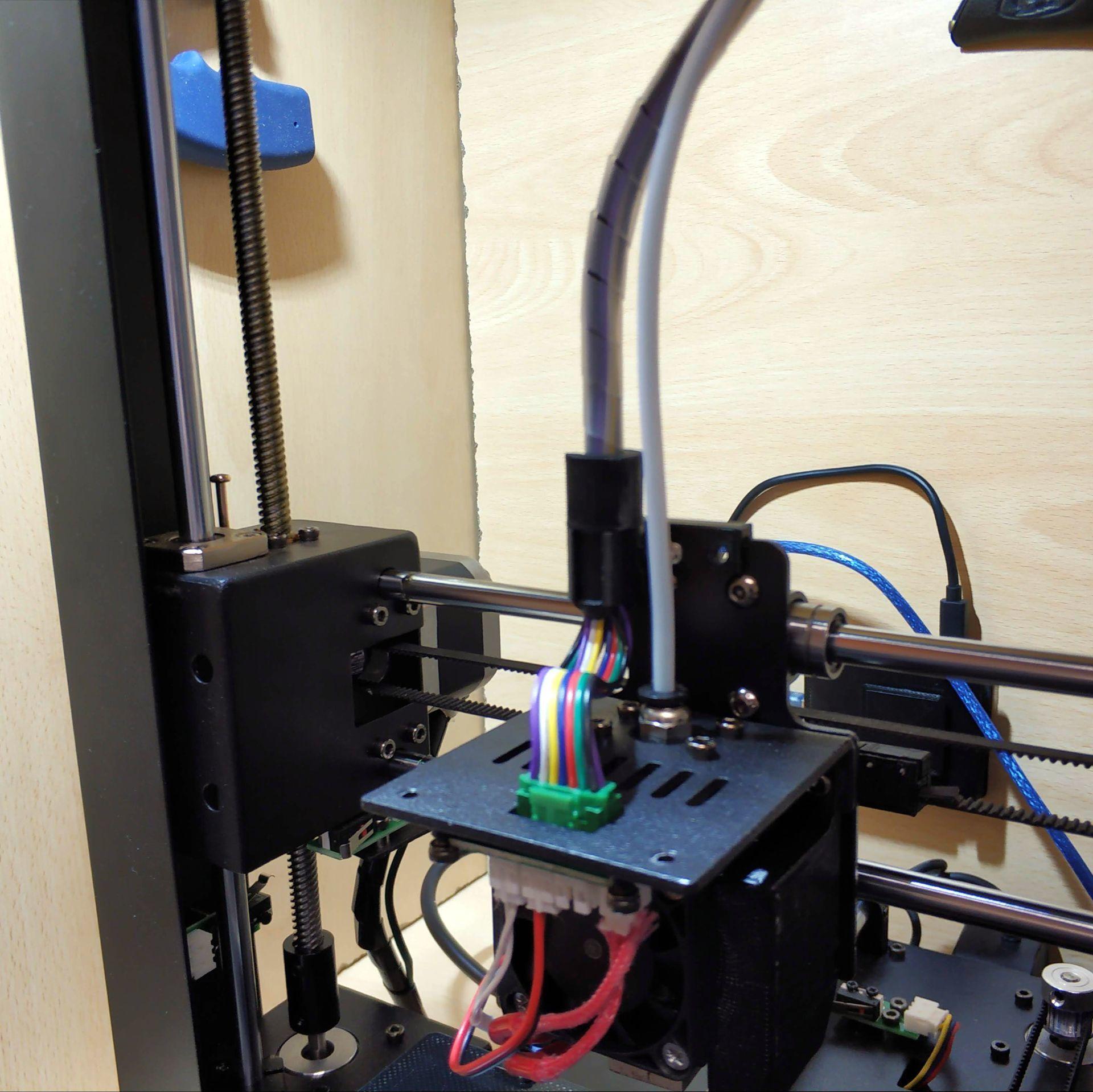 IMG_20200118_132913.jpg Download free STL file Anycubic i3 mega - Sostegno cablaggio estrusore • 3D printing template, Scigola
