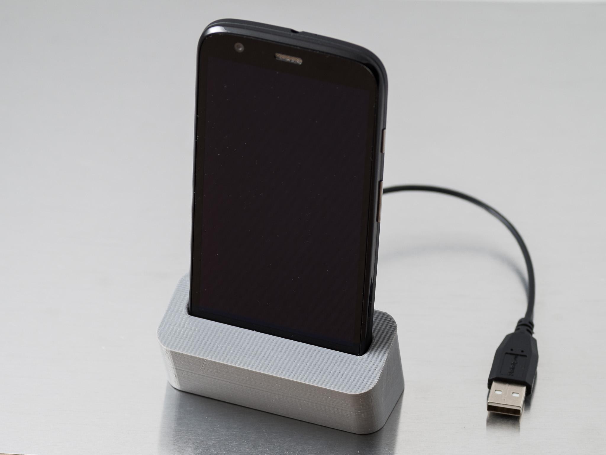 IMGP6833.jpg Télécharger fichier STL gratuit Station d'accueil téléphonique (Moto G) • Plan à imprimer en 3D, WalterHsiao