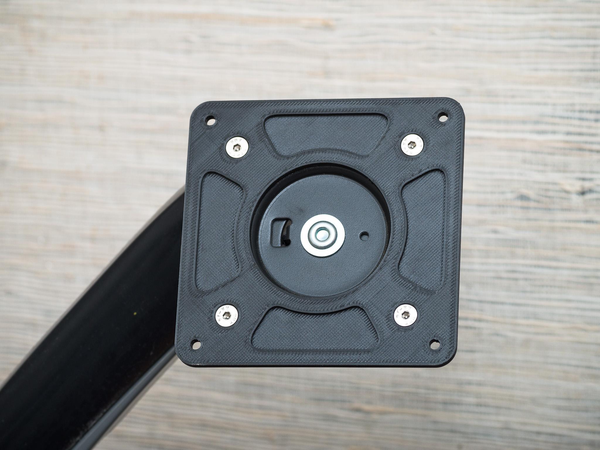IMGP5004.jpg Télécharger fichier STL gratuit Adaptateur de plaque de moniteur Vesa 75mm à 100mm • Plan à imprimer en 3D, WalterHsiao