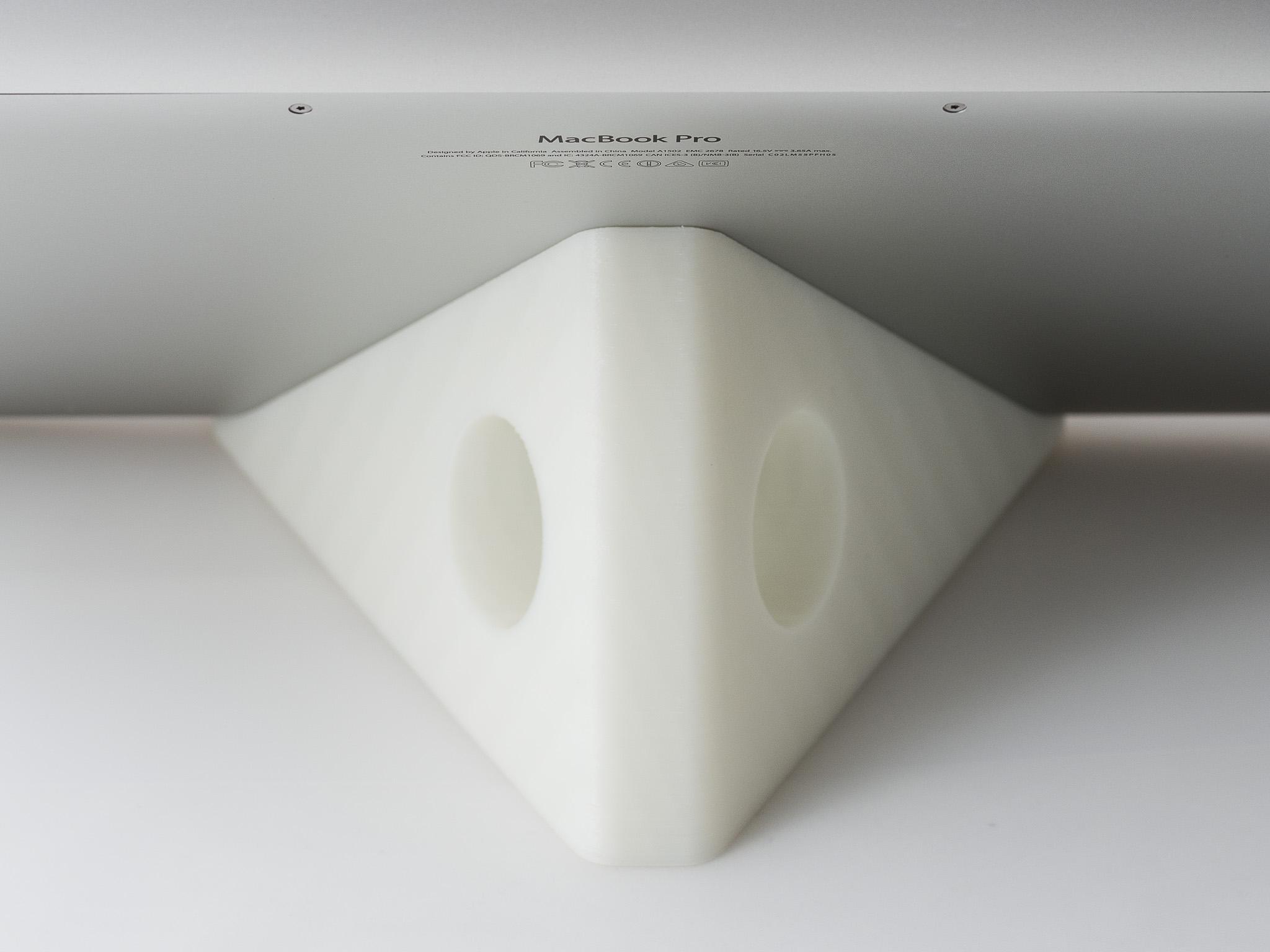 IMGP7018.jpg Télécharger fichier STL gratuit Présentoir pour ordinateur portable (MacBook Pro) • Objet pour impression 3D, WalterHsiao