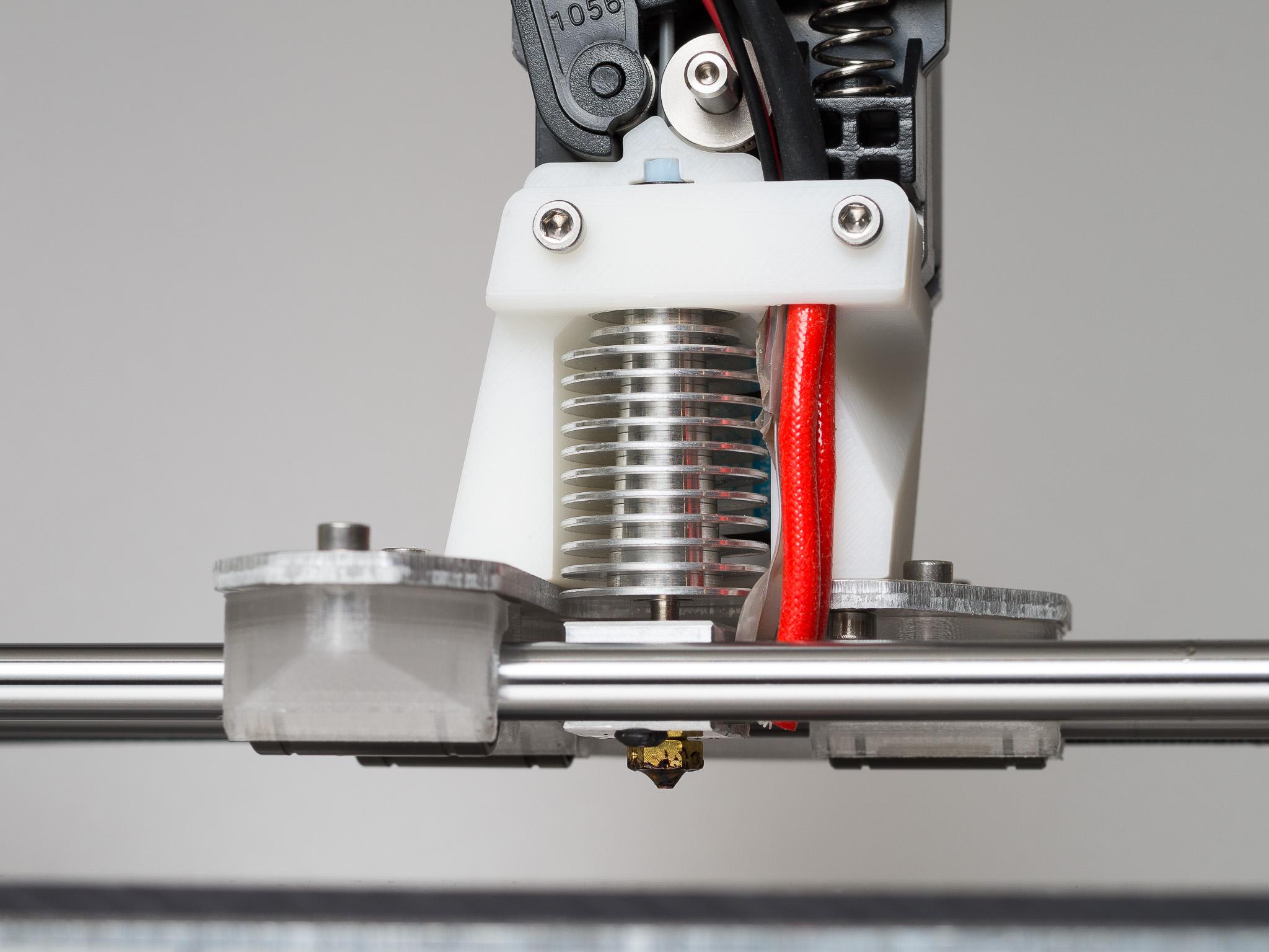 IMGP9426.jpg Télécharger fichier STL gratuit LM8UUU Support de palier • Modèle à imprimer en 3D, WalterHsiao