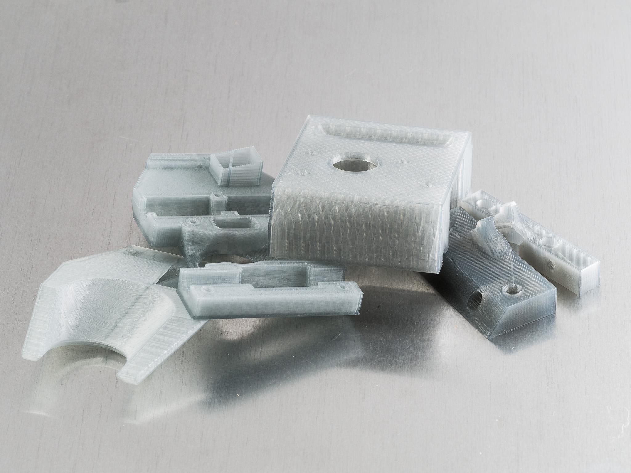 IMGP9603.jpg Télécharger fichier STL gratuit Monture basse pour grenouille poly (RigidBot E3D v6) • Design pour imprimante 3D, WalterHsiao