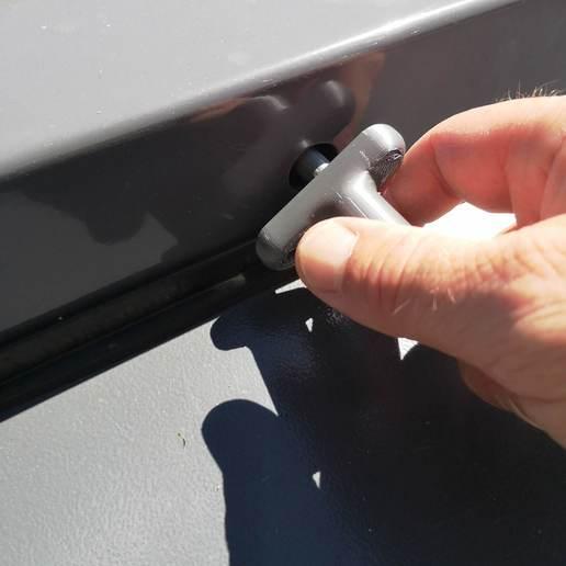 IMG_20200730_135439.jpg Télécharger fichier STL Clé poubelle,conteneur déchetterie, armoire électrique • Design pour impression 3D, guimt09