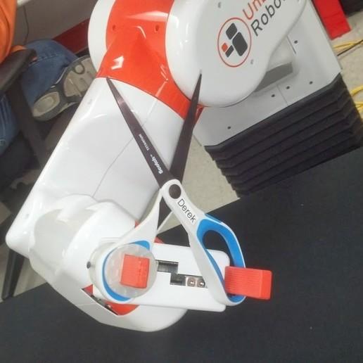 Download free 3D printer templates scissor fixture for UBR-1 robot, Nessun_Dorma