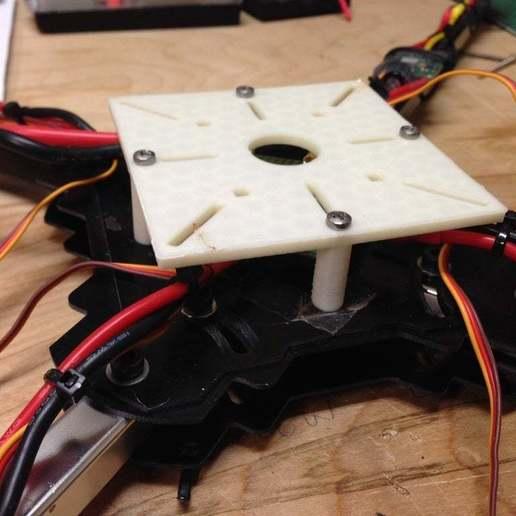 Télécharger fichier STL gratuit Patte de montage de l'électronique pour quadricoptère • Plan pour imprimante 3D, Nessun_Dorma