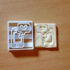 Télécharger fichier 3D téléphone cellulaire avec message de notification de coeur à l'emporte-pièce, laraI22