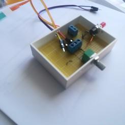 Télécharger objet 3D gratuit boitier pour circuit imprimé 50 x70, loco231