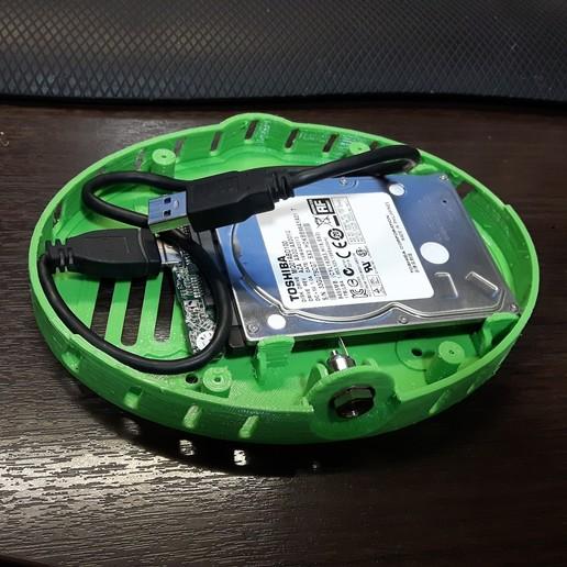 20181005_204206.jpg Download free STL file Raspberry Pi modern case w/ hard drive compartment & VESA holes -  Enjoy! • 3D print model, raulrrojas