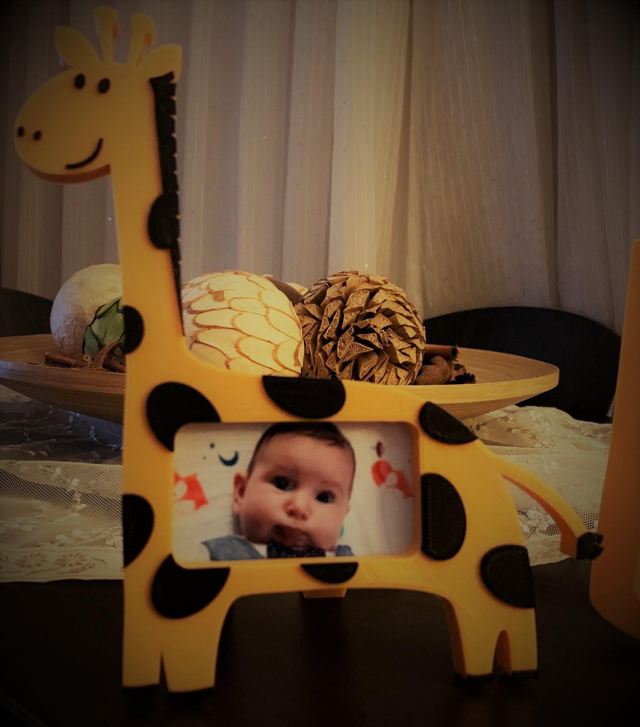 zuro.jpg Download free STL file Giraffe photo frame • 3D printable template, JustAmaze